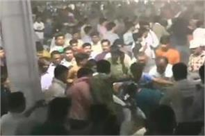 bhardi s supporters in hardik s jan sabhas furiously kicking