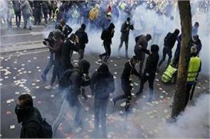 may day rally in paris 3 policemen injured hundreds arrested in paris