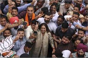 kirron kher won in chandigarh