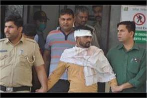 in front of policemen the guards of lawrence bishnoi beat bhupi rana gang