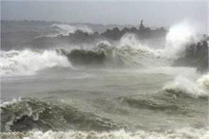 rain started in andhra pradesh cyclone fani rising to in puri