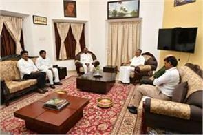 kcr in an attempt to create a third front met vijayan
