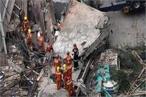 10 people killed in china wall collapse in shanghai