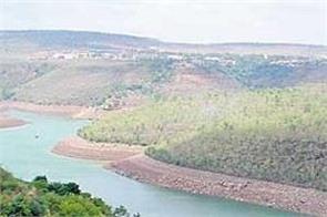 maharashtra seeks water from karnataka