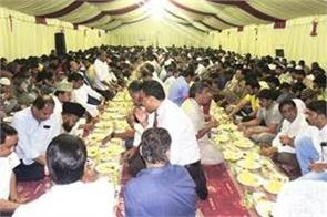 kerala muslim body serves iftar to 2 500 people every day in dubai
