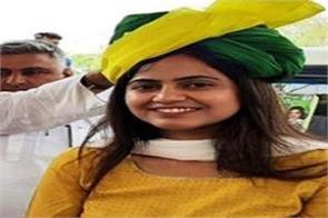 6 villages panchayat gave support to swati yadav in one voice