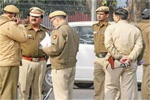 delhi police claim aap violated code of conduct