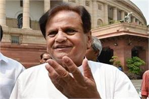 ahmed patel is tangled on modi said  pm has very little information