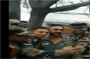 wing commander abhinandan with the companions lee selfie