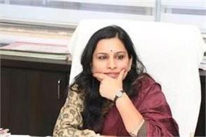 mahatma gandhi s mother ias officer s poor statement