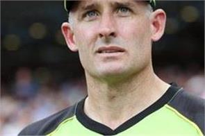 hussey says do not share dhoni s weaknesses with australia
