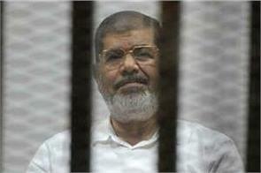 egypt s former president mohammed morsi dies in court