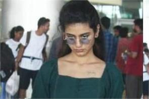 priya prakash varrier snapped at hyderabad airport