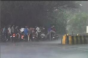 pre monsoon rain in maharashtra a woman die 3 injured in storm