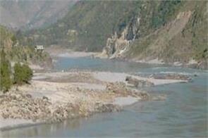 water of india flowing towards pakistan despite water crisis