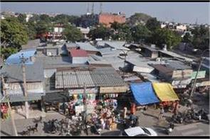 no arrangements for fire extinguisher in the rehdi market