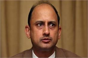the economist who spoke on the resignation of deputy governor viral acharya