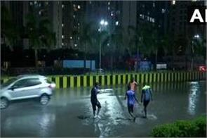 rains of 11 planes changed due to heavy rains in maharashtra bad weather