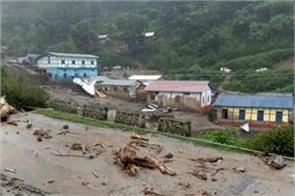arunachal 800 people stranded in floods triggered by cloudburst