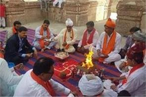 pakistan ancient hindu temple in sialkot reopens after 72 years