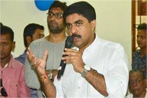 parrikars tradition ends by joining congress legislators in bjp sardesai