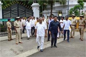 after taking oath of yeddyurappa mla from karnataka will return from mumbai