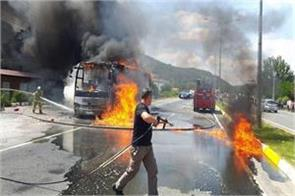 5 dead in turkish bus fire