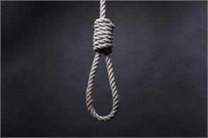 delhi mother hangs her child hangs her