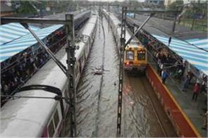 half of hindustan floods hit 225 killed