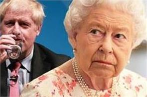 the queen is reportedly  dismayed  by the current political class s