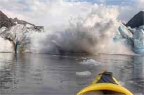 video kayaker captures glacier collapse in alaska