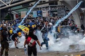 hong kong protests police fire tear gas at activists