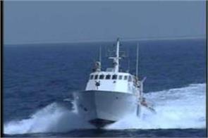 visakhapatnam coast guard ship caught fire 28 rescued