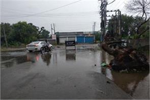 rain lashes in kathua create mess on roads