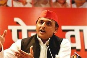 akhilesh announced to contest elections alone in 2022