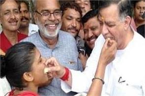 kashmiri pandit happiness article 370 35a kashmir mumbai gujarat