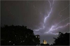 kolkata lightning falls in victoria memorial ground one dead