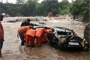 heavy rains in pune 12 dead so far