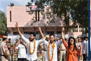 abvp sweeps delhi university polls wins three seats nsui bags one