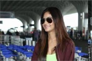 meera chopra gauhar khan spotted at mumbai airport