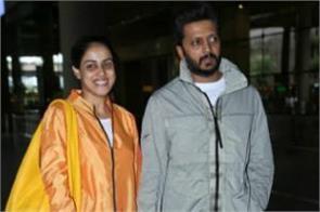 genelia d souza spotted at mumbai airport with hubby riteish deshmukh