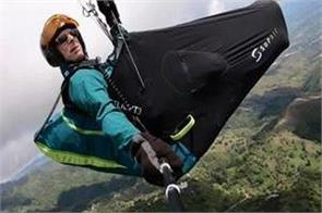 canadian paraglider dies in accident on mount kilimanjaro