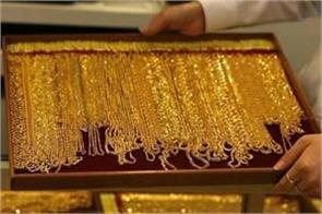 gold shines 100 rupees silver also expensive