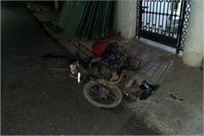 zomato delivery boy bounces off car collision dies