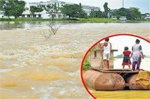 yamuna burnt after ganga also crossed danger mark