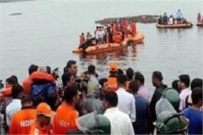 andhra boats filled with tourists submerge 7 killed
