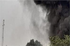 delhi fire in punjabi bagh godown 10 fire engines on the spot