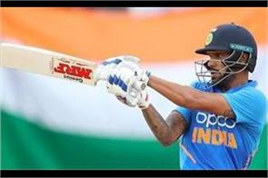 shikhar dhawan scored 33 runs with the help of 6 fours