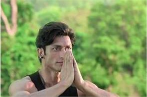 vidyut jammwal became bahubali full cylinder fluttered in the air