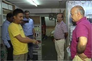 deputy cm manish sisodia raids karol bagh liquor shops seals 2 shops